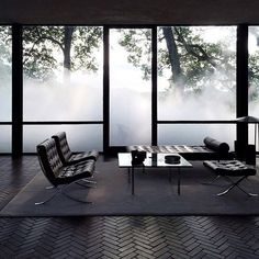 Philip Johnson Glass House engulfed in fog. Installation by Fujiko Nakaya: Veil --- loovvee the floor Amazing Architecture, Interior Architecture, Interior And Exterior, Philip Johnson Glass House, Interior Decorating, Interior Design, Window Styles, Contemporary Interior, Country Decor