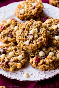 Soft-baked white chocolate cranberry and pecan oatmeal cookies have the most unbelievable flavor and chew! Oatmeal Coconut Cookies, Macadamia Nut Cookies, Chocolate Macadamia Nuts, Coconut Pecan, Pecan Cookies, Oatmeal Cookie Recipes, Raisin Cookies, Oatmeal Chocolate Chip Cookies, Cookies Soft