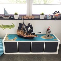 Wohnen - Kinderzimmer Jungs / Kids Room Boys Speaking of the all-rounder KALLAX! Ikea Kids, Games For Kids, Diy For Kids, Baby Zimmer, Kallax, Kids Room Design, Kidsroom, New Room, Playroom