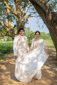 Wedding Saree Blouse Designs, Wedding Sarees, Bridal Sari, Bridal Dresses, Bridesmaid Saree, Bridesmaids, Bridal Dress Design, Bridal Style, Wedding Outfits