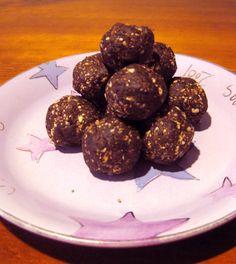Date/cashew balls