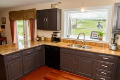 3292 Green Ash Road Davidsonville, MD 21035  Spacious kitchen with granite counter tops.