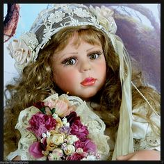 Fayzah Spanos *Fayzadora*Display With Virginia Turner  Himstedt Doll Special Wig