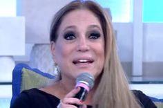 Susana Vieira interrompe Fátima e convidados e vira piada em redes sociais #Anos1980, #Apresentadora, #Atriz, #Futebol, #Gente, #Globo, #Nome, #Novela, #Tv http://popzone.tv/susana-vieira-interrompe-fatima-e-convidados-e-vira-piada-em-redes-sociais/