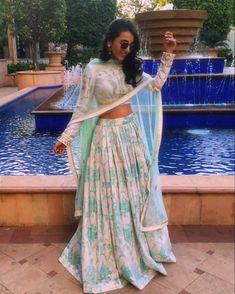 indian wedding wedding guest style an ind - wedding Indian Wedding Guest Dress, Indian Wedding Wear, Wedding Guest Style, Wedding Blog, Indian Weddings, Indian Wedding Clothes, Dress Wedding, Indian Wedding Fashion, Lehenga Wedding