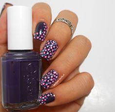 Nail art pois, dotting tool sur Essie Under The Twilight