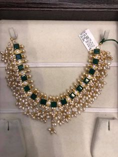20 Never Seen Before Emerald Necklace Designs in Gold Pearl Necklace Designs, Jewelry Design Earrings, Gold Jewellery Design, Pearl Necklace Set, Emerald Necklace, Emerald Jewelry, Gold Jewelry, Diamond Necklaces, Diamond Jewellery