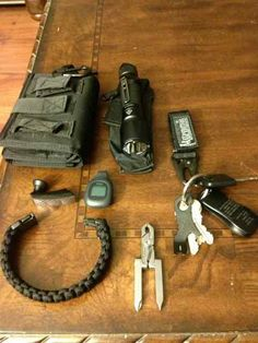 * Fenix TK15 light  * Civilian Labs Wallet / iPhone 4 case  * Jabra Bluetooth earpiece  * Fitbit  * Keys on Maxpedition key retainer  * Gerber Shard (on keyring)  * Swiss Microtech multitool (folded & clipped to keyring  * Paracord bracelet