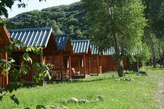 Camp in one of these awesome Utah cabins. You'll have some of the comforts of home, but still be able to enjoy the great outdoors. The Places Youll Go, Cool Places To Visit, Places To Travel, Places To Go, Pine Valley Utah, Heber Utah, Utah Vacation, Vacation Ideas, Vacation Spots