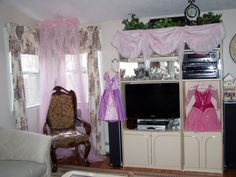 princess baby shower theme... I like the canopy over the chair
