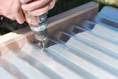 DIY guide on how to build a metal raised garden bed for your garden. This how-to walks you through every step and goes over potential problems and solutions. Metal Raised Garden Beds, Building Raised Garden Beds, Raised Beds, Raised Vegetable Gardens, Home Vegetable Garden, Corrugated Tin, Hillside Garden, Metal Panels, How To Make Bed