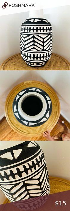 Black And White Vase, White Vases, Hickory Kitchen, Bohemian, Cushions, Ceramics, Table, Check, Closet
