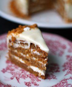 Jouluinen porkkanakakku | Maku Baking Recipes, Cake Recipes, Dessert Recipes, Noel Christmas, Christmas Baking, Delicious Desserts, Yummy Food, Sweet Bakery, Sweet Pastries
