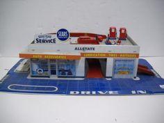 53: TIN TOY SERVICE STATION : Lot 53