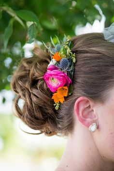 Colorful Flower Hairpiece | JULIE HAIDER PHOTOGRAPHY | http://knot.ly/6493B0h51