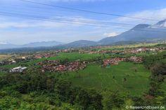 Ausblick bei der Zugfahrt mit Argo Wilis von #Bandung nach #Yogyakarta
