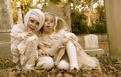 ¡Hoy os traemos una idea genial para hacer un disfraz de momia muy fácil y barato! https://crececrecekids.wordpress.com/2014/10/22/especial-halloween-como-hacer-un-disfraz-de-momia/