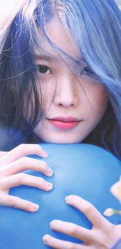 IU love poem I love her very much 💜💜💜💜💜💜IU perfect girl 💙💙💙💜💜💜💜💜😘😘 Sulli, Blue Wallpapers, Korean Actresses, Love Poems, Poses, Blue Aesthetic, Korean Women, Girl Photography, Blue Bird