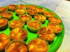 Pasticciando Dolcemente: Muffin alle mele e gocce di cioccolato bianco