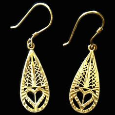 A #Vintage #Gold Tone Earrings for Pierced Ears by AbundantArtsVintage #Etsy to purchase at $14.05 click image