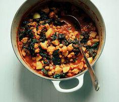 cauliflower kale chickpea curry + 15 other vegan 1 pot recipes!