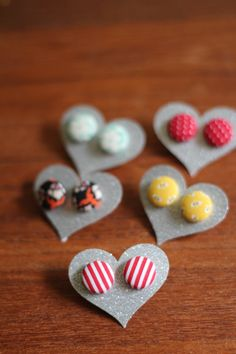 Fabric Button Earrings --- Deff want a couple pairs of these!