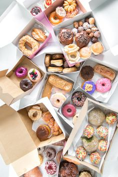 The Ultimate (Los Angeles) Guide to Donuts - Fancy recepies.:P - Lebensmittel I Love Food, Good Food, Yummy Food, Yummy Treats, Sweet Treats, Eat Cake, Sweet Tooth, Cupcakes, Goodies