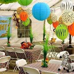 Jungle Themed Party Decor Oooh yes I'm moving this idea