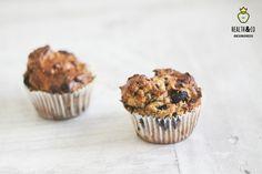 Omdat er nooit genoeg recepten kunnen zijn voor eiwitrijke tussendoortjes! ____________________ Ingrediënten voor 6 grote muffins 2 eieren 120gram magere Franse kwark 4 el maizena 100 gram Fit Green Proteïn 1 el olijfolie 1/2tsp bakpoeder 40gr blauwe bessen Bereidingswijze – Verwarm de oven voor op 180 graden – Meng alle ingrediënten behalve de blauwe bessen goed met elkaar – Schep de blauwe bessen erdoorheen – Verdeel het mengsel over een ingesprayde muffinvorm – Bak de...