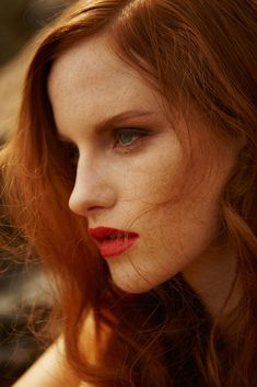 fashion editorials, shows, campaigns & more!: magdalena jasek by cihan oncu for harper's bazaar turkey june 2015 Beautiful Red Hair, Gorgeous Redhead, Beautiful People, People With Red Hair, Ginger Models, Red Hair Woman, Different Shades Of Red, Freckle Face, Skinny Love