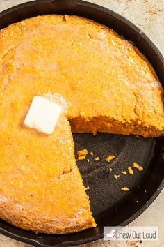 Sweet Potato Cornbread - Chew Out Loud: a lot of changes required for vegan diet, but I must try this with purple meal and purple sweet potatoes Sweet Cornbread Muffins, Honey Cornbread, Roasted Whole Sweet Potatoes, Mashed Sweet Potatoes, Bread Recipes, Cooking Recipes, Tamale Pie, Baked Goods, Delish