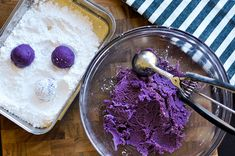 Ube Crinkle Cookies — The Sweet & Sour Baker Filipino Dishes, Filipino Desserts, Filipino Recipes, Filipino Food, Pinoy Recipe, Pinoy Food, Crinkle Cookies Cake Mix, Cookies And Cream, Cake Cookies