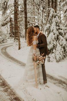 Snowy Wedding, Elope Wedding, Wedding Shoot, Dream Wedding, Winter Wedding Snow, Winter Weddings, Wedding In The Snow, Paris Wedding, Elopement Wedding