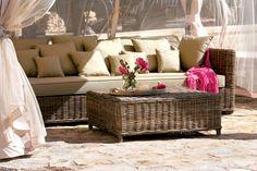 Los muebles de ratán y mimbre son ideales para el descanso y el relax...