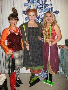 Hocus Pocus DIY. How to Costume Yourself as a Sanderson SIster! By Rosie Wednesday.