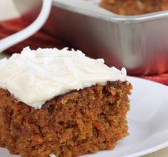 This Homemade Carrot Cake Recipe is by far, the absolute BEST carrot cake recipe that there is. It is moist and delicious, and best of all, OIL-FREE! Homemade Carrot Cake, Easy Carrot Cake, Healthy Carrot Cakes, Cream Cheese Icing, Cake With Cream Cheese, Food Cakes, Holiday Desserts, Easy Desserts, Preacher Cake