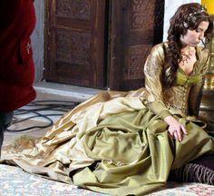 Muhtesem Yuzyil, Hatice sultan Dress
