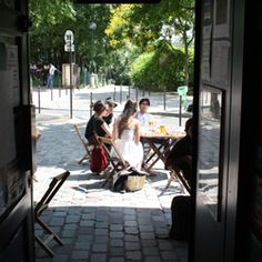 """Best view for a coffe at """"La mer à Boire"""", 3, rue des Envierges-75020 Paris  Tube station : Pyrénées, line 11"""