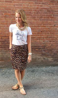 Sweet Bananie [10.8.15] bulldog tee, leopard print pencil skirt, beaded sandals + a tan beaded statement necklace
