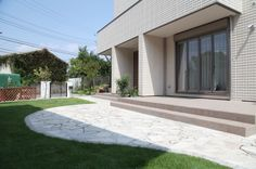 石貼り / ナチュラルガーデン / ガーデンデザイン / 外構 Garden Design / Tiled Deck