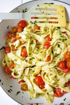 makaron z pomidorami i natką pietruszki (11)