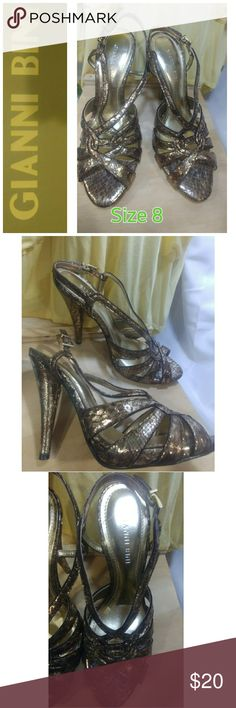 🔵 GIANNI BINI SHOES Size 8M (Slightly Used) Excellent Condition, 4 1/2 in heels. Gold Color.   ✳ Buyers can expect ✳ -Fast Delivery, confirmation with each purchase -Clean, Smoke & Pet Free Home  💝A free complimentary gift with your purchase Gianni Bini Shoes Heels
