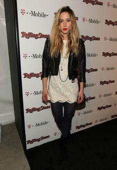 #gillianzinser  #ivysullivan #90210 #beverlyhills #blonde #redlips