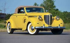 1938 CHRYSLER IMPERIAL CONVERTIBLE COUPE..