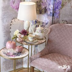 A rose-pink embrace for May. Enjoy your . Romantic Homes, Interior Styling, Pink Roses, Interior Inspiration, Home Goods, Furniture Design, Velvet, Interiors, Lighting