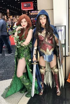 Poison Ivy and Wonder Woman | #C2E2 2017