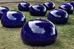 Ai-Weiwei-Bubble-of-Twenty-Five-porcellana-25-elementi-ciascuno-di-50-x-ø-75-cm-2008.-Courtesy-GALLERIA-CONTINUA-San-Gimignano-Beijing-Le-Moulin..jpg (3402×2268)
