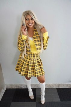DIY and create your very own cher clueless outfit. Yes I am talking about that yellow plaid skirt woren by Alicia Silverstone in the 1995 cult fav Clueless. Plaid Outfits, Denim Outfit, Cute Outfits, Yellow Plaid Skirt, Plaid Skirts, Cher Clueless Outfit, 90s Fashion Overalls, Skirt Fashion, Fashion Outfits