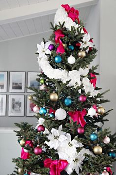 IHeart Christmas 2015: Our Mantle & DIY Coffee Filter Tree Garland | IHeart Organizing | Bloglovin'