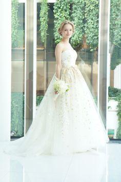 #press show #Carolina Herrera #Aurora #wedding #weddingdress#NOVARESE #キャロリーナ・ヘレラ #ウエディング  #ウエディングドレス #ノバレーゼ #プレスショー